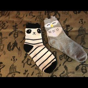 2 pairs of animals socks